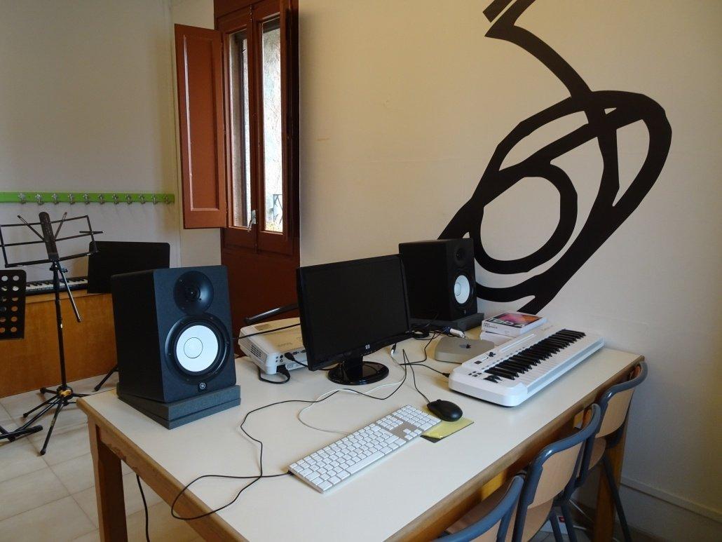 """Aula 3 - Llenguatges i """"Música i Noves Tecnologíes"""""""